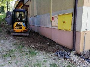 Likwidacja barier architektonicznych w Szkole Podstawowe im. Św. Jan Pawła II w Gliniku – Etap II