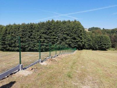 Wykonanie ogrodzenia przy Szkole Podstawowej w Broniszowie