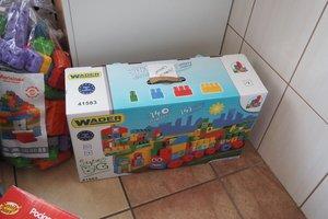 dostawa zabawek edukacyjnych - 1013826.jpg
