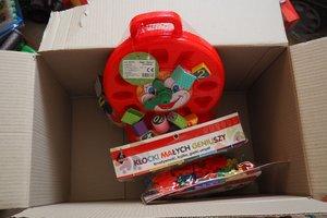 dostawa zabawek edukacyjnych - 1013851.jpg
