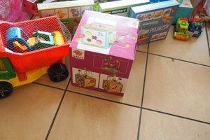 dostawa zabawek edukacyjnych - 1013857.jpg