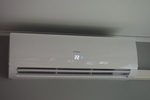 Dostawa i montaż urządzeń klimatyzacyjnych - 201802715_0008.jpg