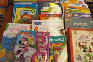 dostawa książek edukacyjnych - 1013935.jpg