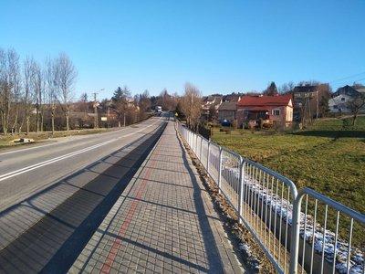 Budowa chodnika wzdłuż drogi wojewódzkiej  nr 986 w miejscowości Glinik