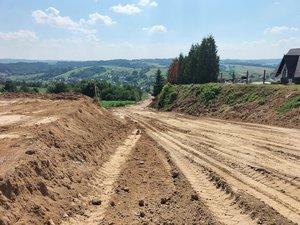 Budowa drogi gminnej Glinik koło cmentarza