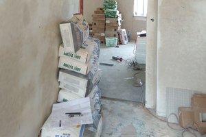 W trakcie realizacji - prace wewnątrz budynku - 201810122006010.jpg