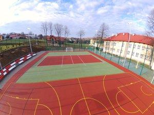 Budowa boiska wielofunkcyjnego i siłowni zewnętrznej przy Szkole Podstawowej w Nawsiu