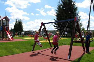 Plac zabaw w Broniszowie - img_1088m.jpg