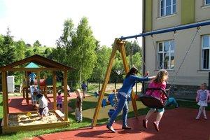 Plac zabaw w Brzezinach - img_1125.jpg