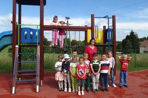 Plac zabaw w Brzezinach-Berdechowie - img_1100.jpg