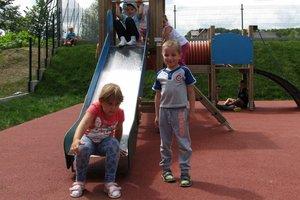 Plac zabaw w Nawsiu - img_1139.jpg