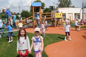 Plac zabaw w Wielopolu Skrzyńskim - dsc07532m.jpg