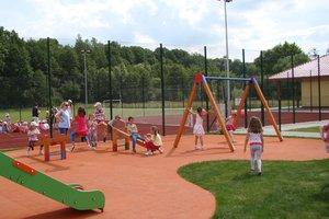 Plac zabaw w Wielopolu Skrzyńskim - dsc07538m.jpg