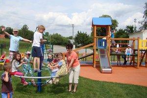 Plac zabaw w Wielopolu Skrzyńskim - dsc07541m.jpg