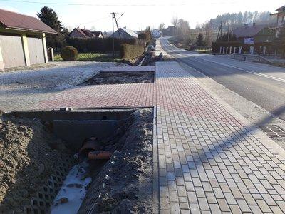 Przebudowa drogi wojewódzkiej Nr 986 Tuszyma - Ropczyce - Wiśniowa poprzez budowę chodnika dla pieszych