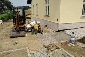 Realizacja Inwestycji - Elewacja budynku oraz izolacja fundamentów - 2018101225001.jpg