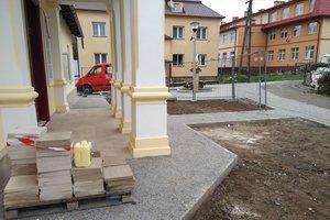 Realizacja Inwestycji - Elewacja budynku oraz izolacja fundamentów - 2018101225015.jpg
