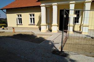 Realizacja Inwestycji - Elewacja budynku oraz izolacja fundamentów - 2018101226022.jpg