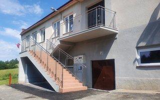 Remont schodów przy budynku wielofunkcyjnym w Broniszowie