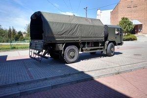 Wojsko przywiozło środki do dezynfekcji. - 003.jpg