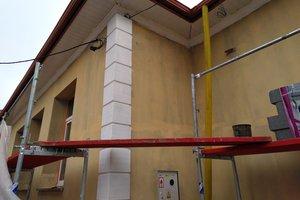 Inwestycja w trakcie realizacji: prace związane z ociepleniem elewacji budynku oraz zabezpieczeniem przeciw-wilgociowym i ociepleniem fundamentów - 20170926_0001.jpg