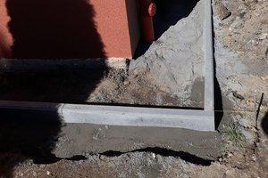 Inwestycja w trakcie realizacji: prace związane z ociepleniem elewacji budynku oraz zabezpieczeniem przeciw-wilgociowym i ociepleniem fundamentów - 20170930_0003.jpg
