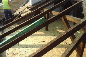 Inwestycja w trakcie realizacji: prace związane z wymianą pokrycia dachowego i ociepleniem stropu - 20170635_009.jpg