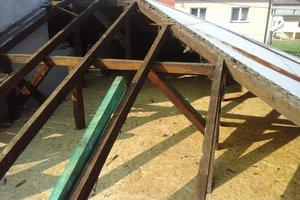 Inwestycja w trakcie realizacji: prace związane z wymianą pokrycia dachowego i ociepleniem stropu - 20170635_010.jpg
