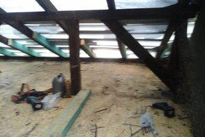 Inwestycja w trakcie realizacji: prace związane z wymianą pokrycia dachowego i ociepleniem stropu - 20170635_014.jpg