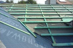 Inwestycja w trakcie realizacji: prace związane z wymianą pokrycia dachowego i ociepleniem stropu - 20170635_021.jpg