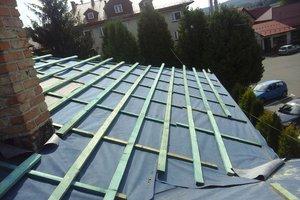 Inwestycja w trakcie realizacji: prace związane z wymianą pokrycia dachowego i ociepleniem stropu - 20170635_022.jpg