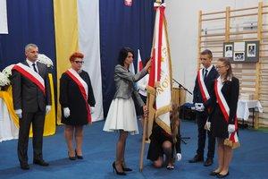 Nadanie imienia Szkole Podstawowej w Gliniku - 20180510_0052.jpg