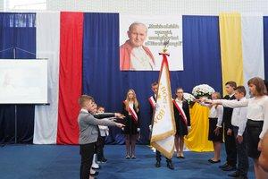 Nadanie imienia Szkole Podstawowej w Gliniku - 20180510_0055.jpg