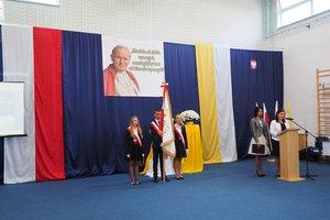 Nadanie imienia Szkole Podstawowej w Gliniku - 20180510_0056.jpg