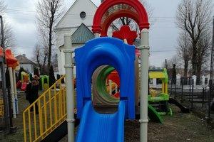 Dostawa wyposażenia placu zabaw - 1040.jpg