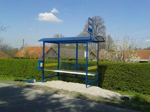 Zakup wraz z montażem wiaty przystankowej przy drodze powiatowej w miejscowości Nawsie