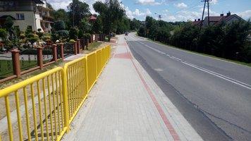 Budowa chodnika dla pieszych przy drodze wojewódzkiej nr 986 w miejscowości Glinik