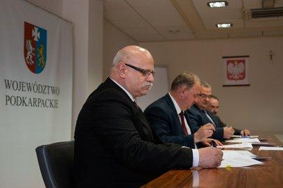Podpisanie umów na dofinansowanie remontów dróg dojazdowych do gruntów rolnych