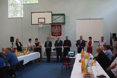 Uroczyste przekazanie sali gimnastycznej wybudowanej  przy Szkole Podstawowej w Gliniku