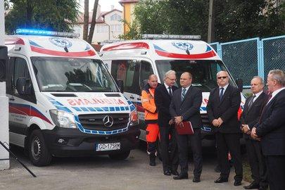 Uroczyste przekazanie karetki pogotowia ratunkowego i pomieszczeń dla potrzeb  Zespołu Ratownictwa Medycznego  w Wielopolu Skrzyńskim