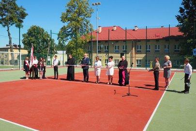 Uroczyste oddanie do użytku wielofunkcyjnego boiska sportowego przy Szkole Podstawowej im. Sybiraków w Nawsiu