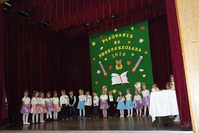 Pasowanie na Przedszkolaka dzieci z Samorządowego Przedszkola Krasnala Hałabały w Wielopolu Skrzyńskim