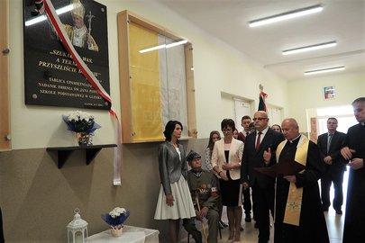 Uroczystość nadania imienia Św. Jana Pawła II Szkole Podstawowej w Gliniku