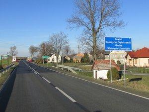 Odnowa nawierzchni na drodze wojewódzkiej 986 w miejscowości Wielopole Skrzyńskie