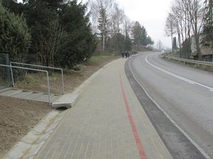Budowa chodnika dla pieszych wzdłuż drogi wojewódzkiej nr 986 w miejscowości Glinik