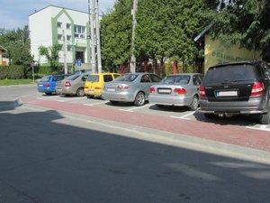 Budowa miejsc postojowych przed budynkiem Urzędu Gminy w Wielopolu Skrzyńskim