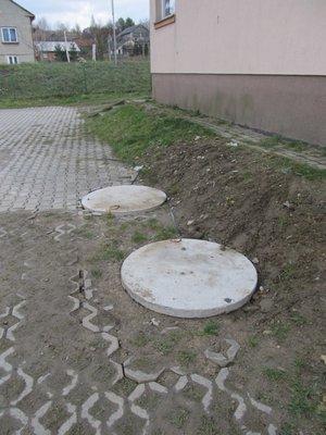 Montaż zbiornika bezodpływowego na ścieki i wykonanie robót uzupełniających w budynku wielofunkcyjnym w Gliniku