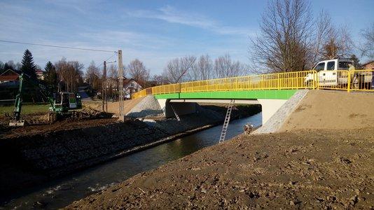 Odbudowa mostu na rzece Wielopolka w ciągu drogi Glinik Sklep Krzemienica w miejscowości Glinik