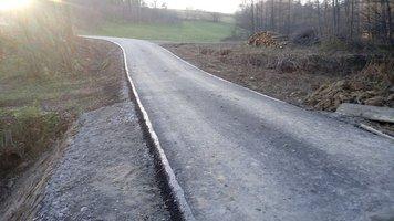 Przebudowa drogi gminnej Brzeziny - Baj w km 0+400 - 2+300