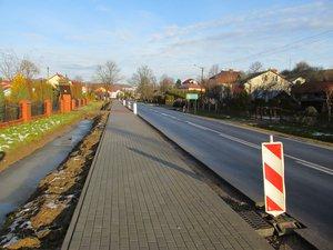 Budowa chodnika przy drodze wojewódzkiej nr 986 Tuszyma Ropczyce – Wiśniowa w km 35+868 – 36+175 w m. Wielopole Skrzyńskie